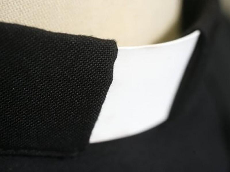Finto prete fermato con tre chili di eroina minaccia di scomunica i finanzieri a Fiumicino