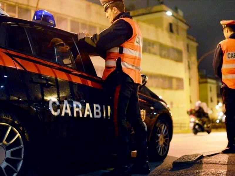 Carabinieri gli chiedono le generalità, lui risponde con un rutto: arrestato